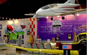 Enjoy the SUN 'n FUN Expo Campus Aerospace Museum
